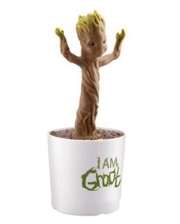 Figurine de bébé Groot dansant avec la musique