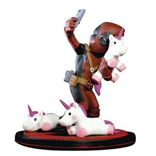 "Figurine QFig ""Deadpool licorne"""